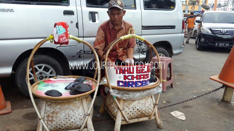 Tahu Gejrot Khas Cirebon 2016